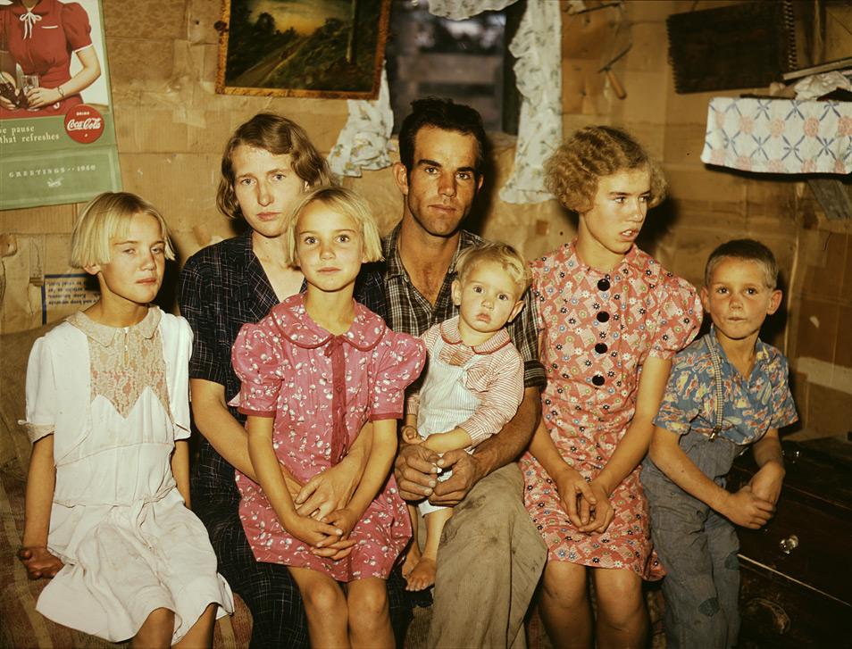 Image hotlink - 'http://www.pdnphotooftheday.com/wp-content/uploads/2009/03/homesteaders.jpg'
