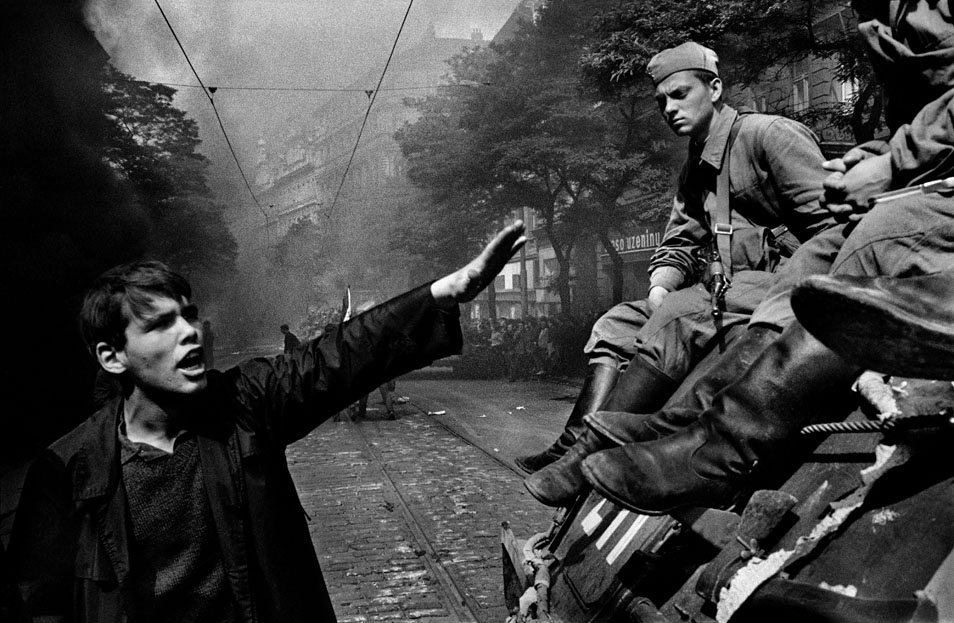 Visions of the Decade: Koudelka's Invasion 68: Prague