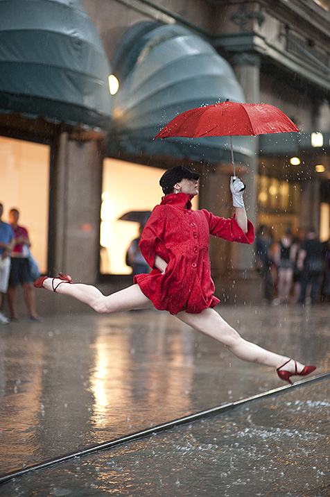 Dancers Among Us (5 photos)