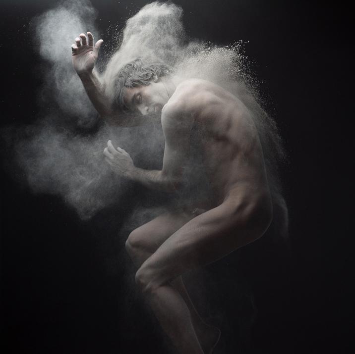 Nude Awakening (3 photos)