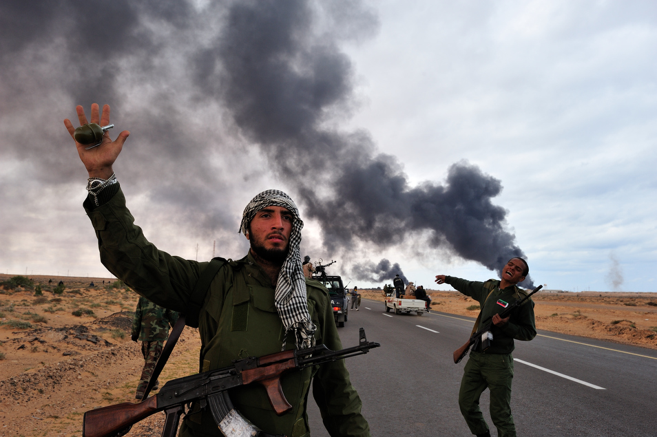 Blood and Tears in Libya  (9 photos)