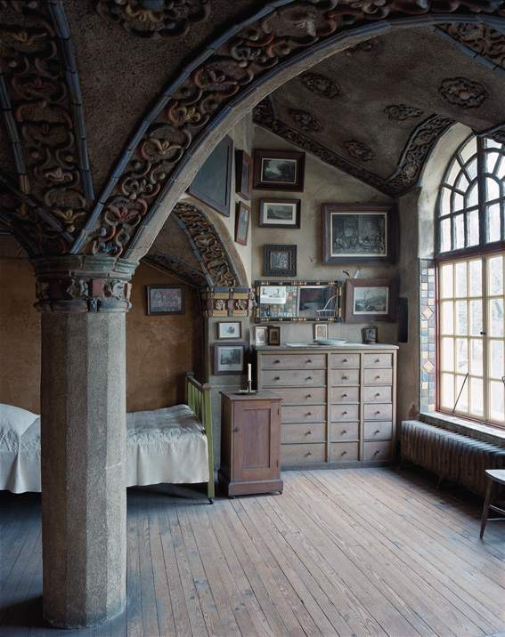 Intimate Spaces of Renowned Artisans (5 Photos)