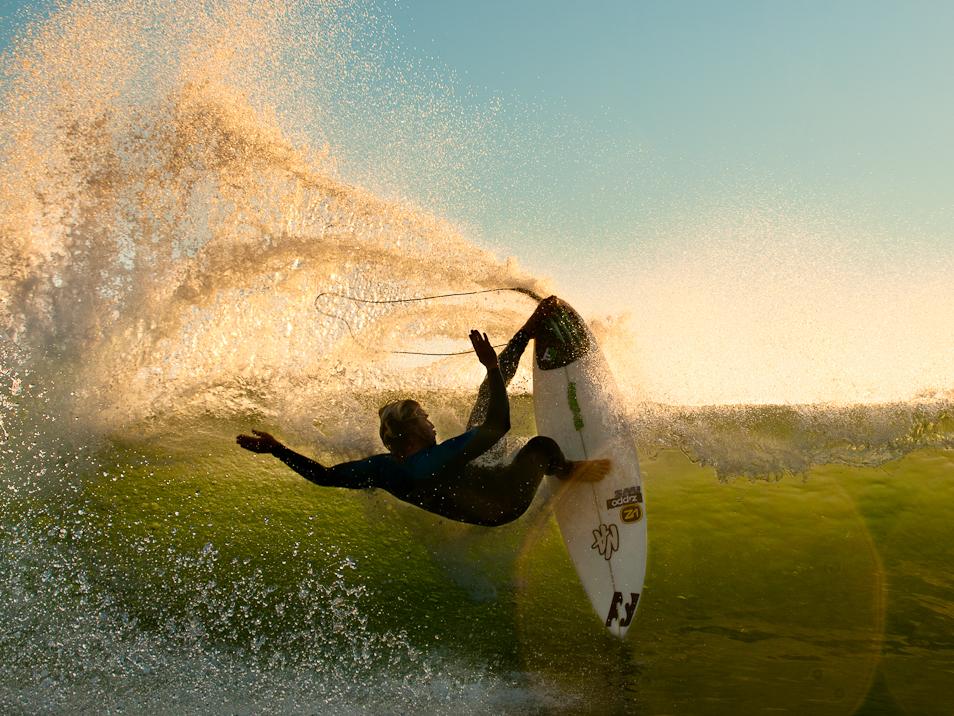 Surf Odyssey (4 Photos)