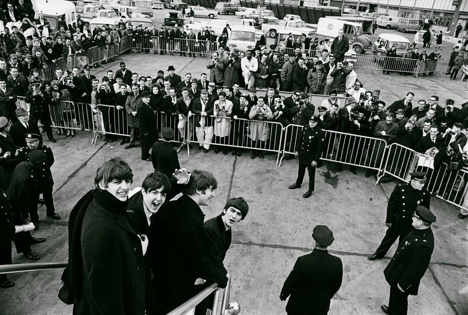 Meet The Beatles (3 Photos)