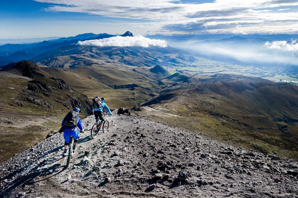 Tour de Volcanoes (10 Photos)