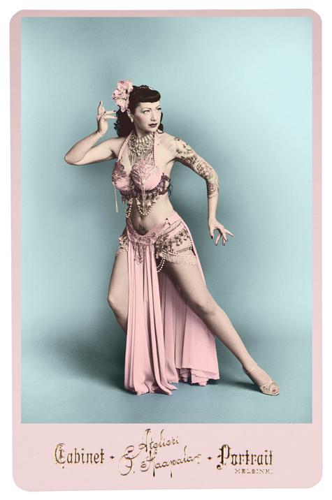 Retro Boudoir & Burlesque (10 Photos)