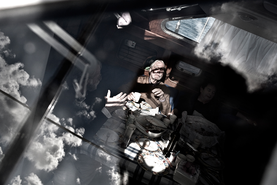 Blind Captain (4 Photos)