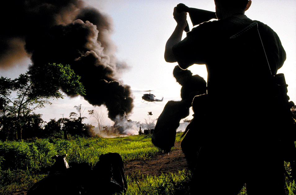 A Manual of the Colombian Conflict (7 Photos)