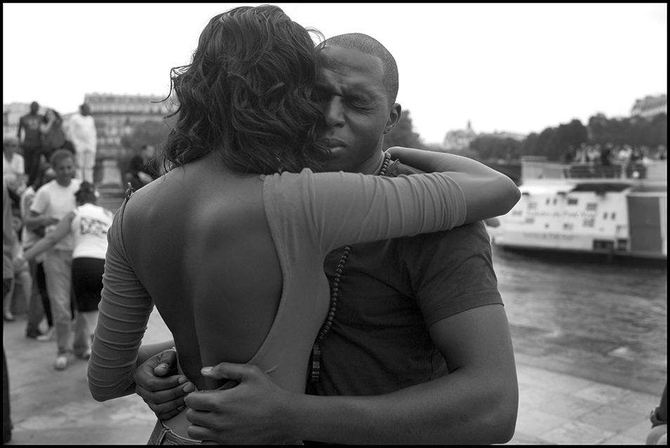 Peter_Turnley_French_Kiss_06