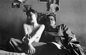 © Early Black and White by Saul Leiter, Published by Steidl/Howard Greenberg Library