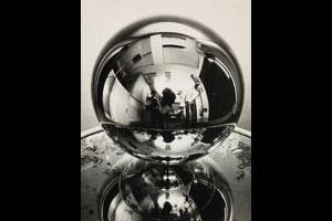 © 2014 Man Ray Trust/Artists Rights Society (ARS), New York/ADAGP, Paris/Courtesy of the MoMA