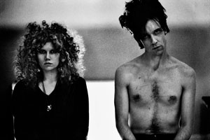 Poison Ivy and Lux Interior (The Cramps). London, 1980. © Anton Corbijn