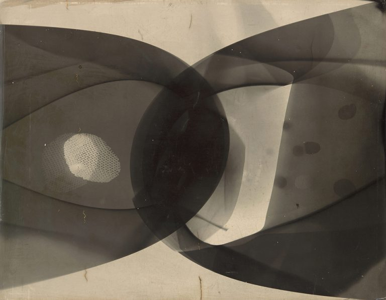 Moholy-Nagy-Guggenheim-gen-press-moholy-nagy-photogram-1941-f