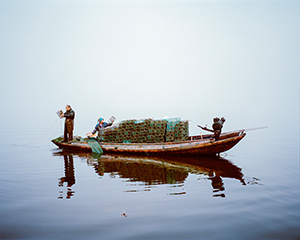 Mustafah-Abdulaziz-Shrimp-fishing,-Lake-Hong,-Hubei-Province,-China,-2015-WWF-UK-f